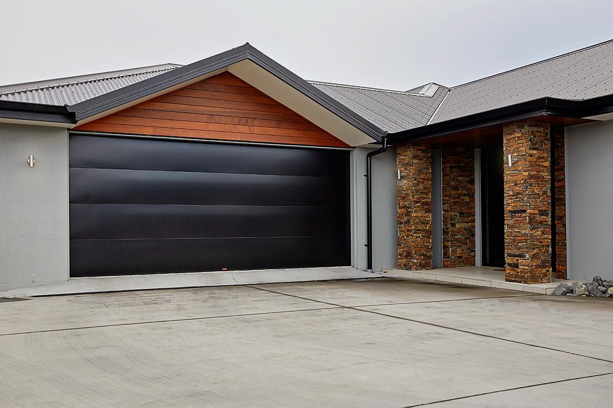Dominator garage doors